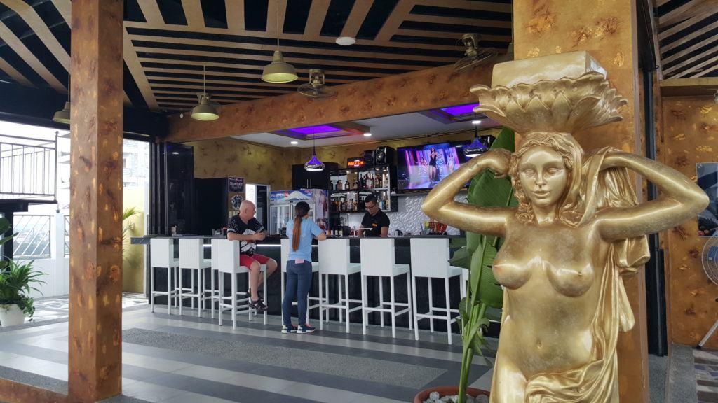 Kandi Sunset Bar